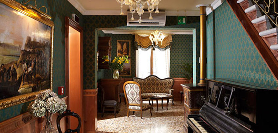 Casa Nicolo' Priuli, Venice, Italy - Lounge.jpg